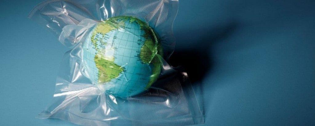 تجزیه ناپذیر بودن پلاستیکها