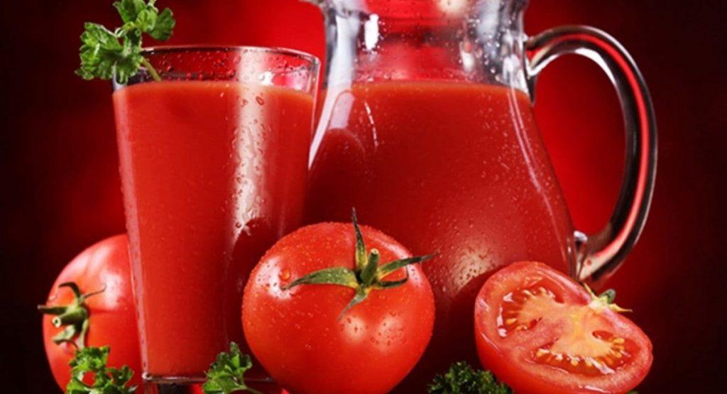 تاثیر آب گوجه فرنگی بر بوی ظروف پلاستیکی