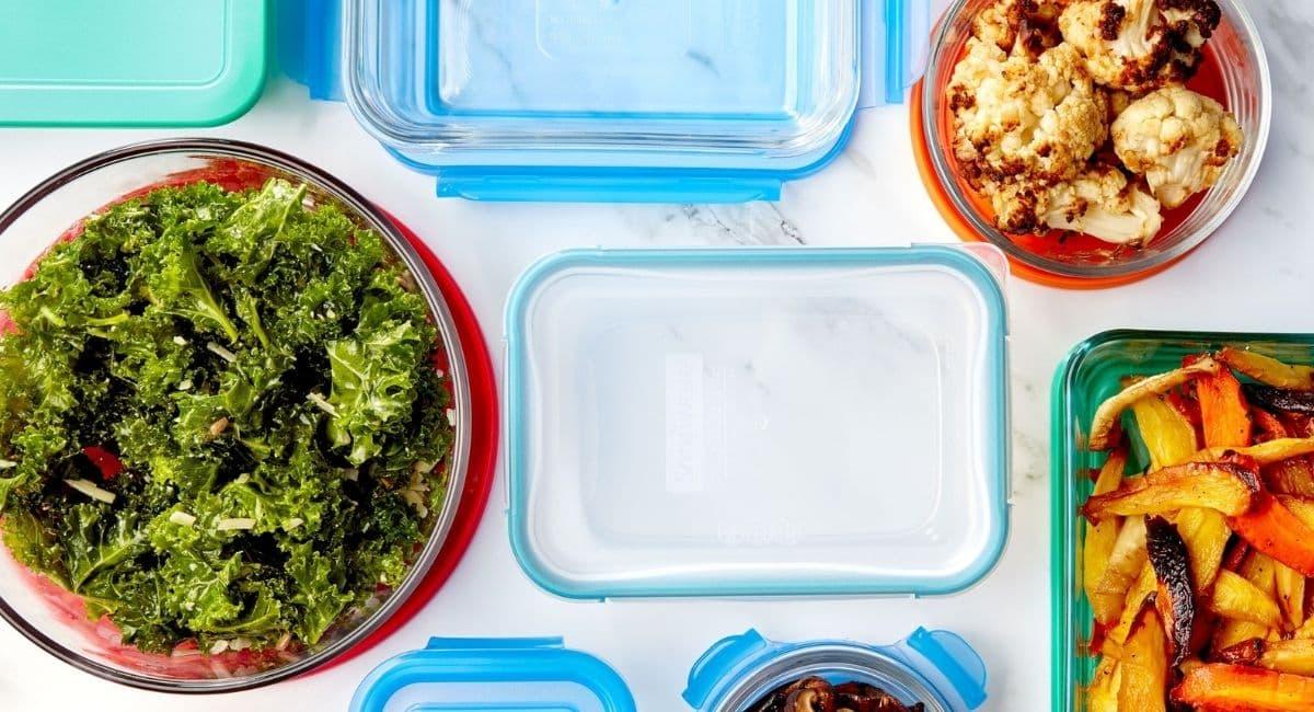 10 روش خانگی عالی برای رفع بوی بد ظروف پلاستیکی