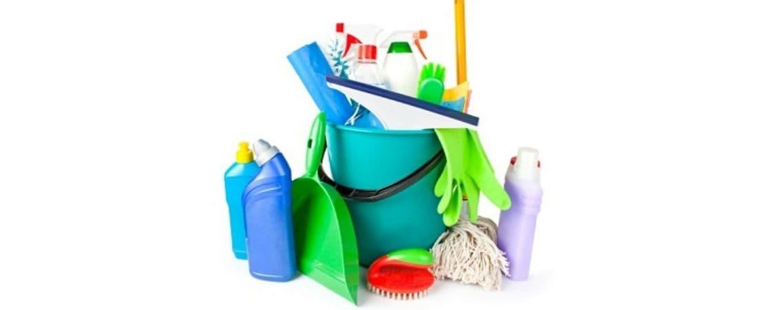 انواع ابزار نظافت پلاستیکی شامل
